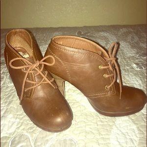 Brown/camel booties